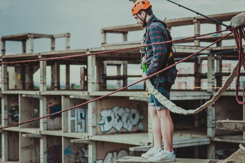 """""""Банджи-Джампинг"""" прыжок на веревках с высокого здания в Московской области"""