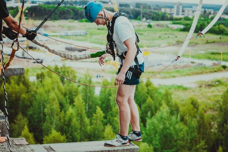 """""""Банджи"""" -прыжки с веревкой со здания Пятерочка в Московская область"""