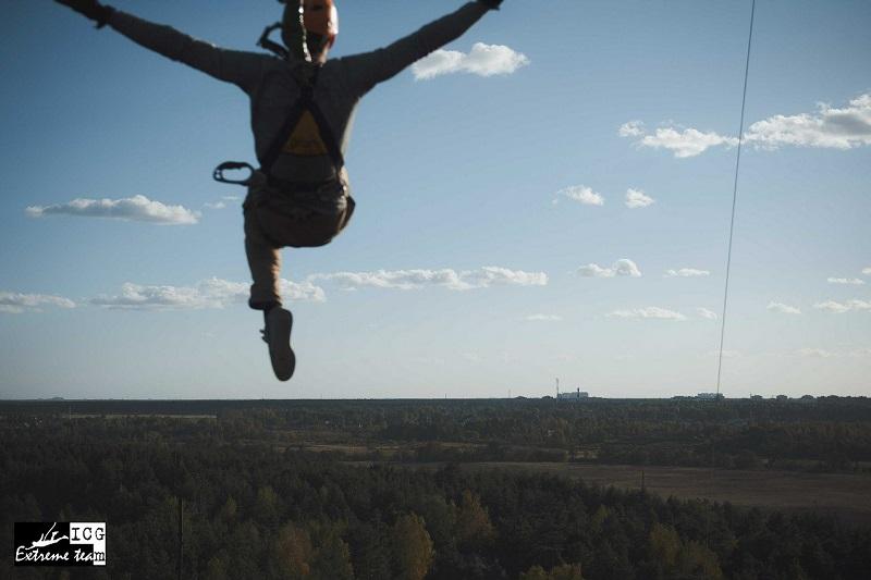 """Полет в прыжке """"банджиджампинг"""""""