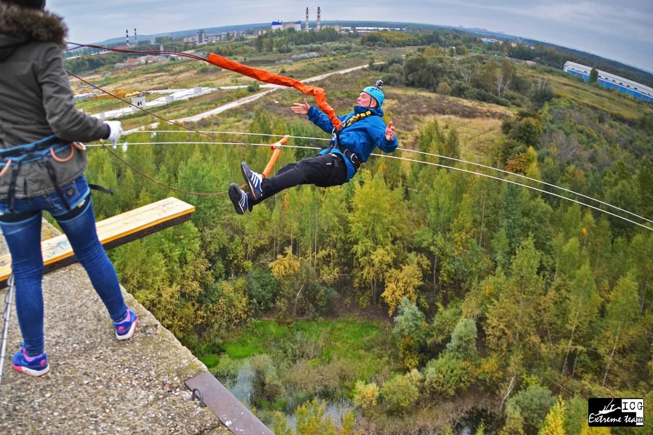 Прыжки со здания 35 метров - Роупджампинг на Пятерочке