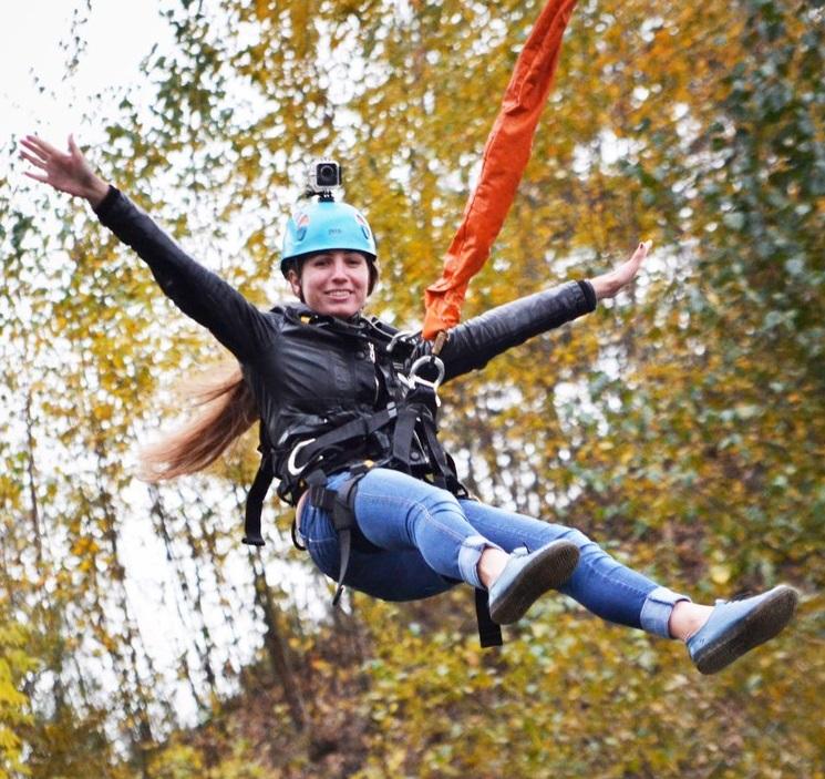Прыжки с веревкой с Манихинского моста
