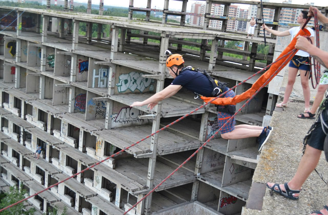 Прыжок на веревке с 35 метров